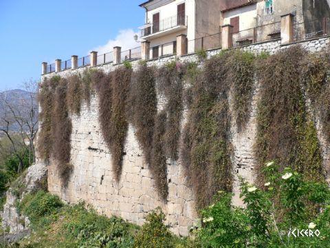 iCicero: Terracina - Mura repubblicane
