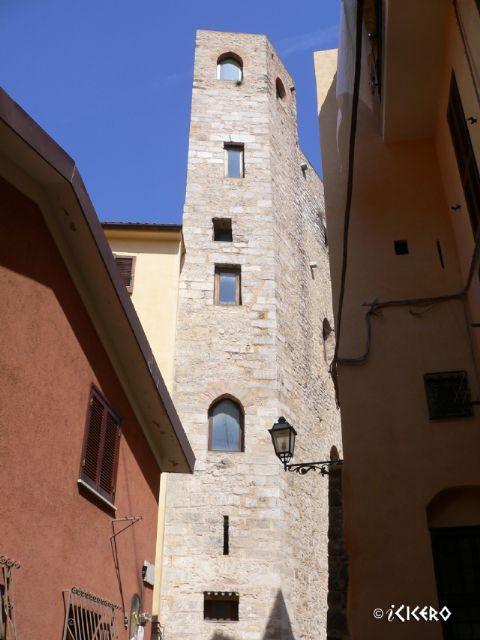 iCicero: Terracina - Casa-torre di Via SS. Quattro
