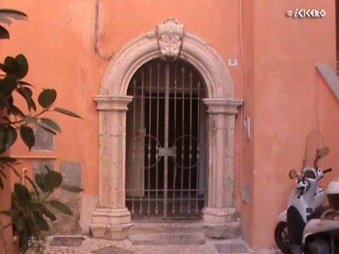 iCicero: Terracina - Palazzo di Via S. Eusebio