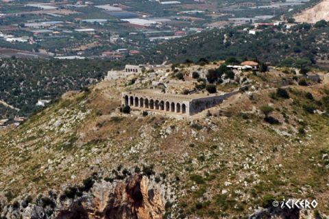 iCicero: Terracina - Santuario Romano di Monte S. Angelo