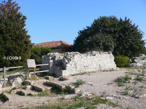 iCicero: Terracina - Torre medievale