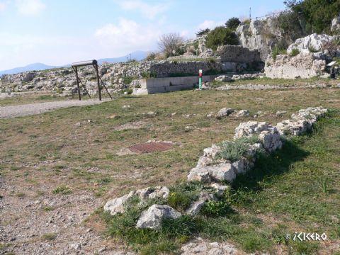 iCicero: Terracina - Pronao del tempio maggiore