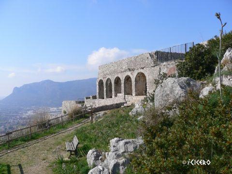 iCicero: Terracina - Piccolo tempio