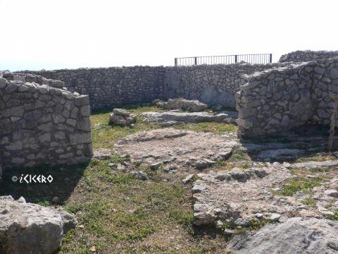 iCicero: Terracina - Ambienti di lavoro del monastero medievale