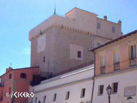 iCicero: San Felice Circeo - Torre Templare e porta ogivale detta del Parco