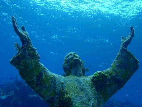 iCicero: San Felice Circeo - Statua del Cristo del Circeo