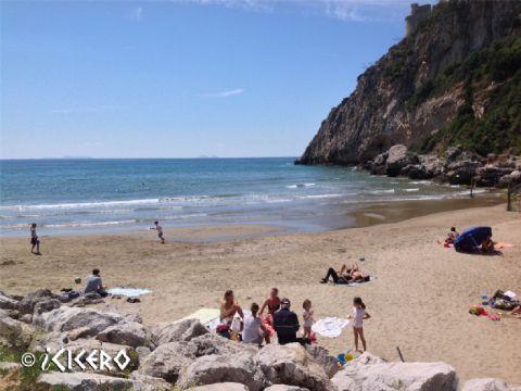 iCicero: San Felice Circeo - La spiaggia del Porto