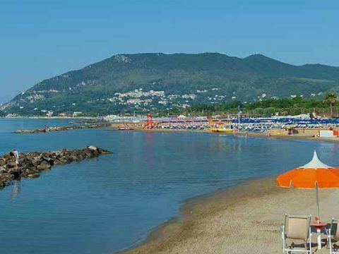 iCicero: San Felice Circeo - La spiaggia di Torre Olevola